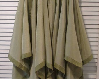 Four Vintage Napkins and Matching Placemats - Soft Olive Green Table Linens - Year Round Dining