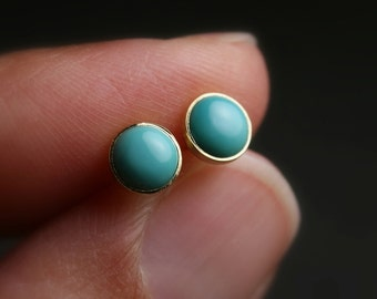 5mm Untreated turquoise and 18k yellow gold bezel set stud earrings