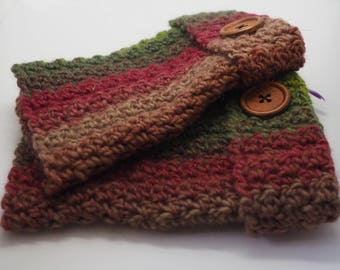 Autumnal wrist warmers.