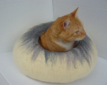 Felted Cat bed /Cat Cave/ Cocoon/ Cat House Natural White With Grey