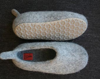 Teens felted slippers home shoes with stitched rubber soles 8.5 Inches Length Light Gray