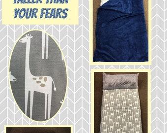 Nap mat giraffe with navy blanket