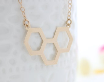 Beehive Necklace • Simple honeycomb gold necklace • Everyday jewelry • Gift for her • Geometric jewelry
