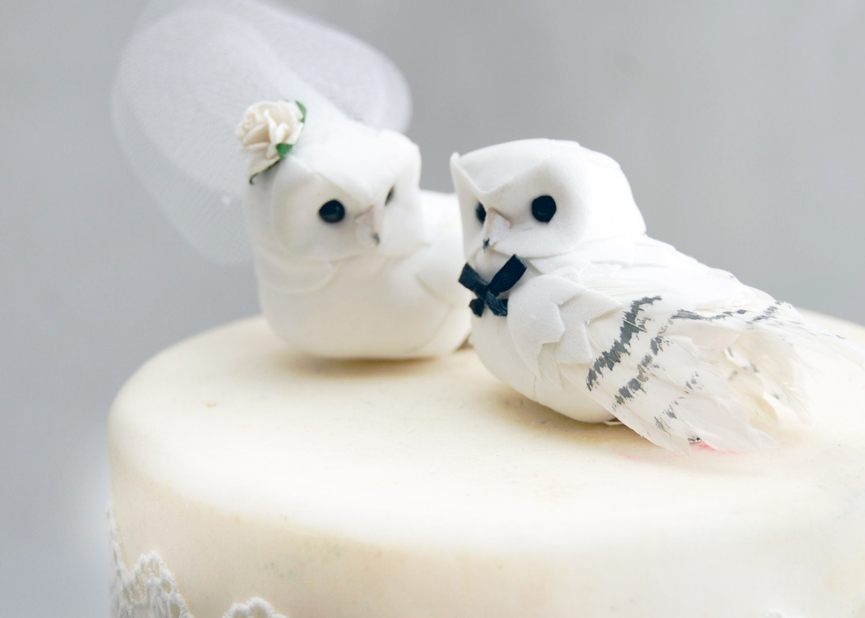 Snowy Owl Wedding Cake Topper in Winter White: Bride & Groom