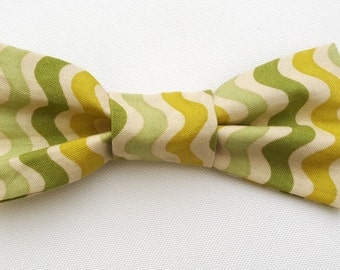 Small bow tie - Green Squiggle