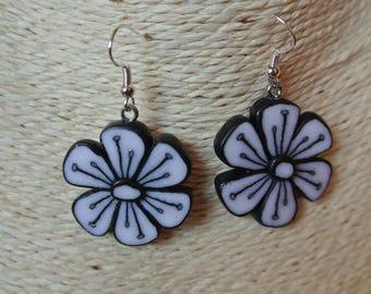 black and white glitter flowers earrings