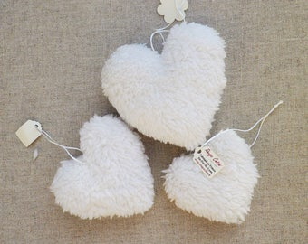 Set of three hearts blanket hanging