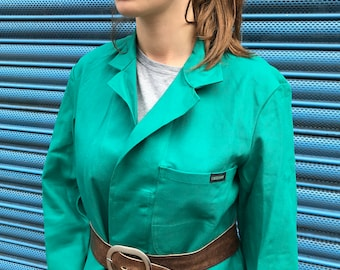Long Green Workwear Jacket. French Shopkeeper's Chore Jacket. Lab Coat and Belt. Artisan. Overall. Unisex. Dead Stock Sanfor. 46 Size Large