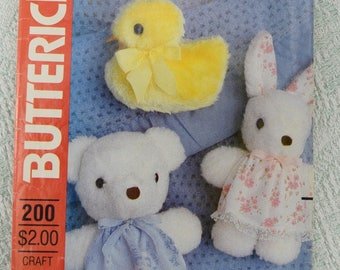 Butterick Sewing Pattern 200 stuffed animals from 1980s