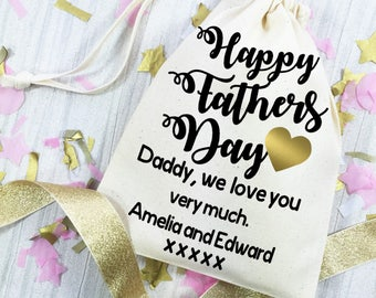 Father's Day gift bag. Personalised cotton gift bag for daddy. Gift wrapping idea for Happy fathers day.