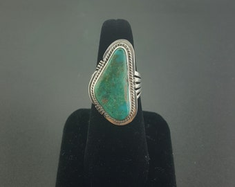 Natural Royston turquoise ring - Navajo - sterling silver - size 9 - SIGNED by J.S.