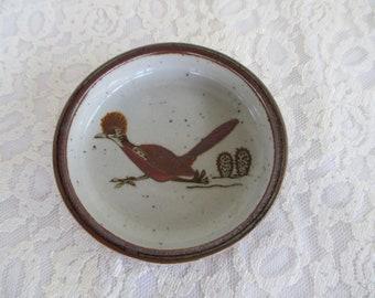 Otagiri Original Japan Hand Crafted Handpainted Roadrunner Round Dish