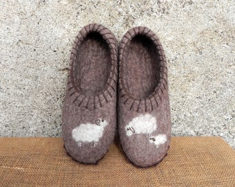Brown felt slippers, felted slippers, sole slippers, home shoes, boiled wool slippers, big wool slippers, natural wool slippers, felt clogs