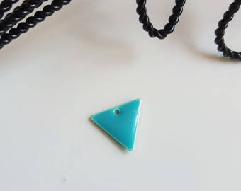 The sequin shape triangle turquoise and silver colored base