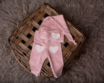 """Newborn Girl Pants and Hat Set - """"Dylan"""" pink newborn pants and hat. Newborn girl photo outfit, newborn girl photo prop, Valentine's"""