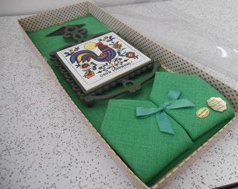 1970s vintage tile trivet, serviette and placemat set