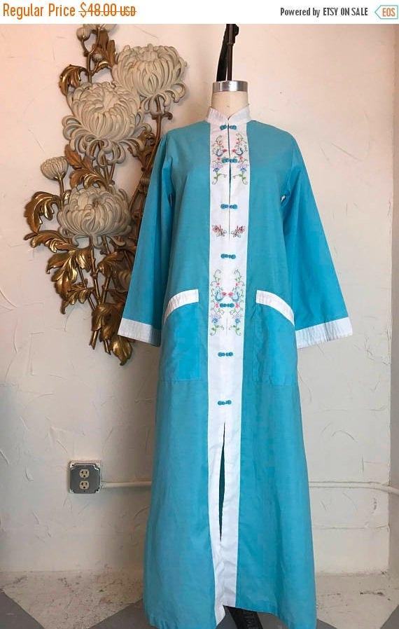 1960s loungewear vintage dressing gown asian pajamas vintage