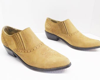 Dingo brown pointy toe women ankle cowboy western shoes boots size 9.5