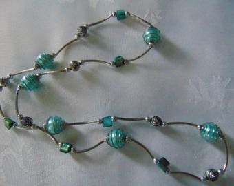 Vintage  gorgeous turquoise and silver tone  necklace boho,shabby,28 inches long