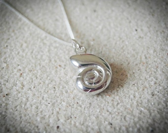 nautilus shell necklace, shell necklace, sterling silver shell necklace, sterling silver nautilus necklace, mermaid necklace,