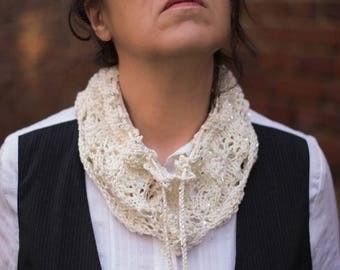 Collar Snood hand knit white glitter