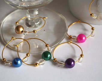 Wine glass or coffee cup markers, six gold rings with round pearls
