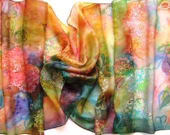 When you wear this scarf, you dream. Maybe a shawl dreams about you at this time? Lilac Dream Time.