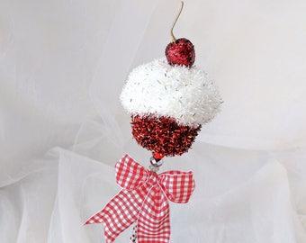 Red Cupcake Birthday Wand