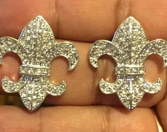 Rhinestone and silver fleur de lis earrings  AI62