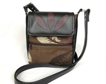 Computer tablet bag, e-reader bag, iPad bag, shoulder purse, school bag, messenger bag, crossbody purse, brown purse, black vinyl purse,