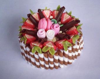Miniature Cake 1:12 - Series 1 - 015