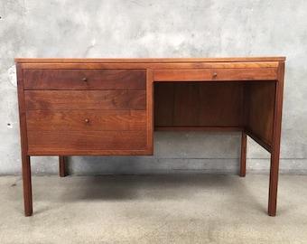 Vintage Mid Century Walnut Desk (PBC9UX)