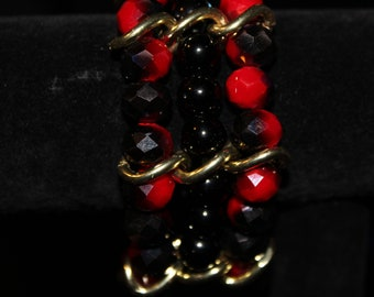 Black and red bead mixed with gold chain - elastic bracelet