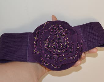Flower cinch belt, Wide elastic stretch corset belt, Plum Purple belt, purple feathers and Black flowers ,one size wide belt