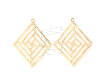 PDT-452-MG/2Pcs-Square maze pendant/ 32mm x 35mm /Matte Gold Plated over brass