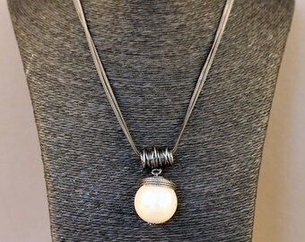 Elegant large Pearl Pearly Couture Ball necklace