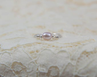 Simple Mauve Pearl Solitaire Ring, Set in Sterling Silver, Size 5.5