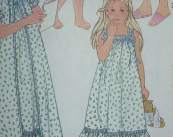 Vintage Simplicity Pattern 5562 for Child's Pullover Nightgown in Two Lengths, Robe and Baby Doll PJ's  Size 6