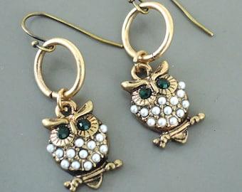 Vintage Jewelry - Vintage Earrings - Owl Earrings - Green Earrings - Chloes Vintage - OOAK - Pearl Earrings - Handmade Jewelry