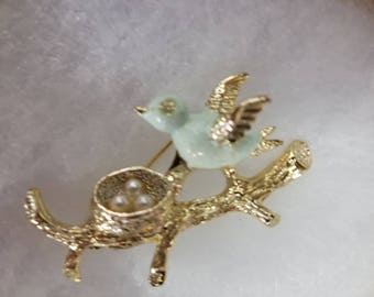Vintage Gerry bird brooch signed
