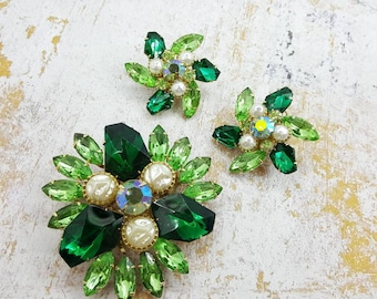 Judy Lee  Emerald and Mint Lava Glass Baroque pearl Brooch and clip earrings Large Clusters  gold tone  Art Deco