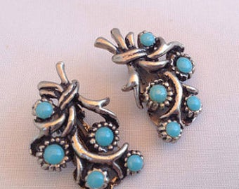 Clip Earrings with 'Turquoise' Flowers