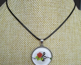 necklace with rock'n rose pendant