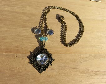 Blue and gold cabochon necklace