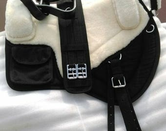 Treeless iberian western style bareback pad saddle  cream and black