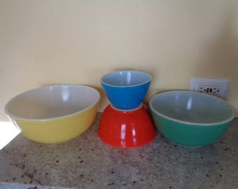 Kitschy Very Old Heavy Vintage Pyrex Primary Bowls set Retro Kitchenalia