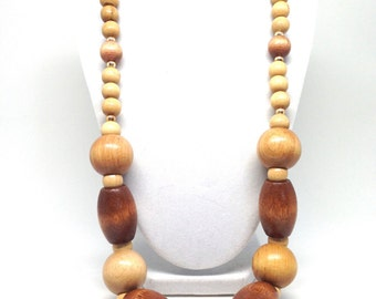 Vintage Estate Graduated Wood Bead Round Chunky Neat Necklace
