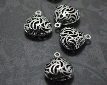 4pcs of Antiqued Silver Unique 3D Filigree Bead Drop Charms Pendants Drops Q38-YX