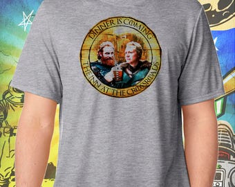 Game of Thrones / Tormund and Brienne / Dinner is Coming Version 2 / Crossroads Inn / Men's Gray Performance T-Shirt