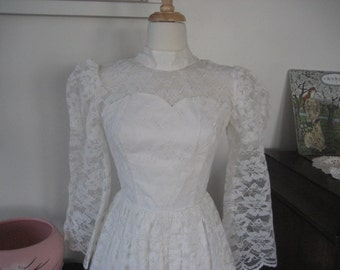1970s White Lace Wedding Dress